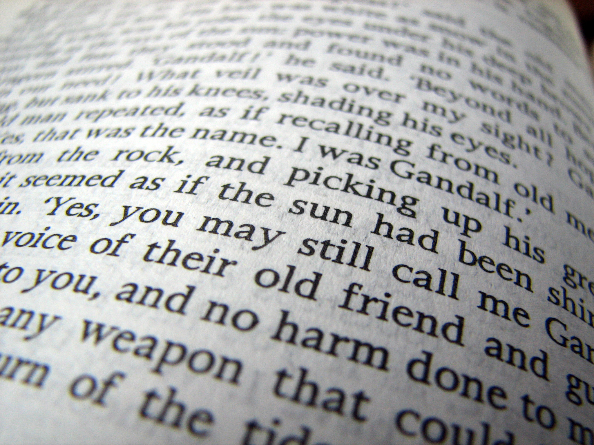 Photo-LOTR-Book-Page-Credit-Tomas-Vogelsang